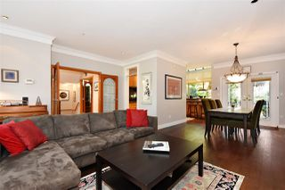 Photo 3: 382 E 34TH Avenue in Vancouver: Main House for sale (Vancouver East)  : MLS®# R2317320