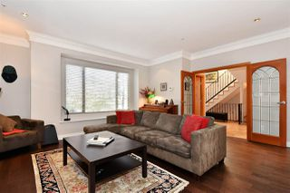 Photo 2: 382 E 34TH Avenue in Vancouver: Main House for sale (Vancouver East)  : MLS®# R2317320