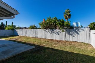 Photo 12: OCEANSIDE House for sale : 4 bedrooms : 4624 Mardi Gras St