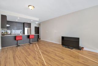 """Photo 5: 2803 2077 ROSSER Avenue in Burnaby: Brentwood Park Condo for sale in """"VANTAGE"""" (Burnaby North)  : MLS®# R2334484"""