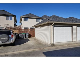 "Photo 20: 16628 60 Avenue in Surrey: Cloverdale BC Condo for sale in ""Concerto"" (Cloverdale)  : MLS®# R2344947"
