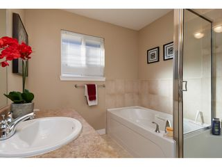 "Photo 15: 16628 60 Avenue in Surrey: Cloverdale BC Condo for sale in ""Concerto"" (Cloverdale)  : MLS®# R2344947"