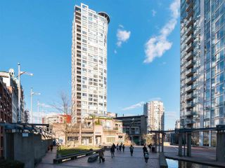"""Main Photo: 802 183 KEEFER Place in Vancouver: Downtown VW Condo for sale in """"Paris Place"""" (Vancouver West)  : MLS®# R2347382"""