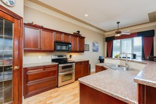 Photo 10: 22 LACOMBE Drive: St. Albert House for sale : MLS®# E4146829