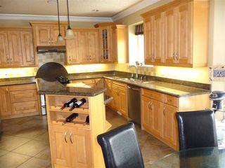 Photo 7: 2049 HILLIARD Place in Edmonton: Zone 14 House for sale : MLS®# E4153472