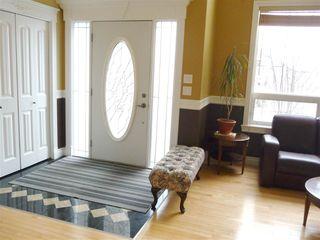 Photo 2: 2049 HILLIARD Place in Edmonton: Zone 14 House for sale : MLS®# E4153472