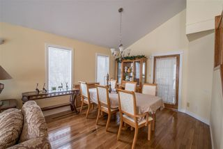 Photo 5: 3928 28 Avenue in Edmonton: Zone 29 House for sale : MLS®# E4154295