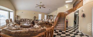 Photo 4: 3928 28 Avenue in Edmonton: Zone 29 House for sale : MLS®# E4154295