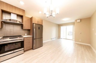 Photo 3: 206 2889 E 1ST Avenue in Vancouver: Renfrew VE Condo for sale (Vancouver East)  : MLS®# R2365684