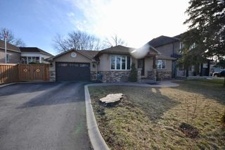 Photo 1: 242 Oak Street in Caledon: Bolton West House (Bungalow) for sale : MLS®# W4472334