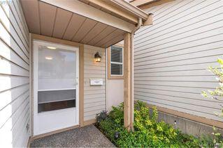 Photo 2: 17 3947 Cedar Hill Cross Road in VICTORIA: SE Cedar Hill Row/Townhouse for sale (Saanich East)  : MLS®# 411763
