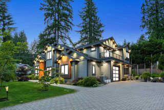 Photo 2: 1808 CRAWFORD Road in North Vancouver: Lynn Valley House for sale : MLS®# R2377725
