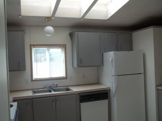 "Photo 6: 28 770 N 11TH Avenue in Williams Lake: Williams Lake - City Manufactured Home for sale in ""FRAN-LEE TRAILER COURT"" (Williams Lake (Zone 27))  : MLS®# R2399801"