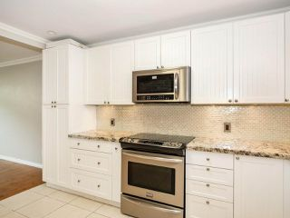 """Photo 10: 113 8680 FREMLIN Street in Vancouver: Marpole Condo for sale in """"COLONIAL ARMS"""" (Vancouver West)  : MLS®# R2416429"""
