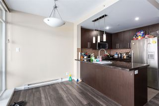 Photo 5: 3002 888 CARNARVON Street in New Westminster: Downtown NW Condo for sale : MLS®# R2431817