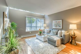 Photo 3: 53 5301 204TH Street in Langley: Langley City Townhouse for sale : MLS®# R2503229