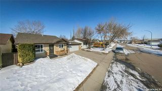 Photo 41: 122 Stacey Crescent in Saskatoon: Dundonald Residential for sale : MLS®# SK803368