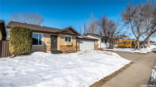Photo 45: 122 Stacey Crescent in Saskatoon: Dundonald Residential for sale : MLS®# SK803368
