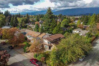"Photo 3: 20899 ALPINE Crescent in Maple Ridge: Northwest Maple Ridge House for sale in ""Chilcotin"" : MLS®# R2507972"