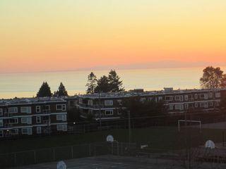 Photo 2: 402 1280 FIR Street in OCEANA VILLA: White Rock Home for sale ()  : MLS®# F1325152