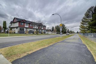 Photo 13: 10205 114 Avenue in Edmonton: Zone 08 Townhouse for sale : MLS®# E4219414