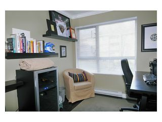 """Photo 8: 226 801 KLAHANIE Drive in Port Moody: Port Moody Centre Condo for sale in """"INGLENOOK"""" : MLS®# V869106"""