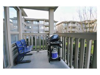 "Photo 9: 226 801 KLAHANIE Drive in Port Moody: Port Moody Centre Condo for sale in ""INGLENOOK"" : MLS®# V869106"