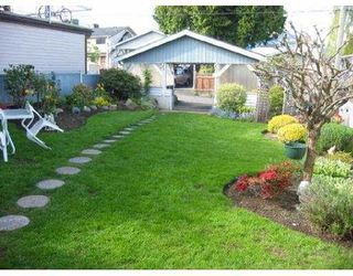 """Photo 5: 2939 MCGILL ST in Vancouver: Hastings East House for sale in """"N/A"""" (Vancouver East)  : MLS®# V588209"""