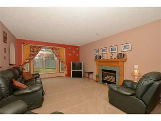 Photo 5: 38 WEST HALL Place: Cochrane House for sale : MLS®# C4011661