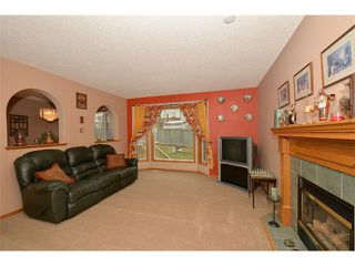 Photo 6: 38 WEST HALL Place: Cochrane House for sale : MLS®# C4011661