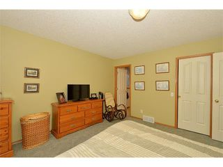 Photo 13: 38 WEST HALL Place: Cochrane House for sale : MLS®# C4011661