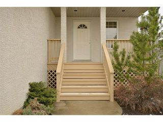 Photo 3: 38 WEST HALL Place: Cochrane House for sale : MLS®# C4011661