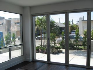 Photo 3: PACIFIC BEACH Townhome for sale : 3 bedrooms : 705 Wrelton in San Diego