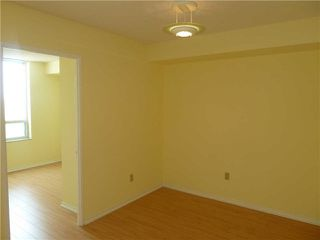 Photo 5: 1611 285 Enfield Place in Mississauga: City Centre Condo for lease : MLS®# W3253344