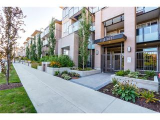 "Photo 1: 106 55 EIGHTH Avenue in New Westminster: GlenBrooke North Condo for sale in ""EIGHTHWEST"" : MLS®# R2028474"