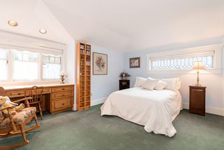 Photo 16: 1295 SINCLAIR Street in West Vancouver: Ambleside House for sale : MLS®# R2054349