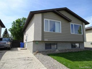 Photo 2: 6819 WHELAN Drive in Regina: Rochdale Park Single Family Dwelling for sale (Regina Area 01)  : MLS®# 574968