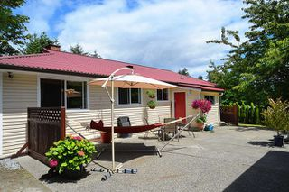 Photo 4: 1063 ROSAMUND Road in Gibsons: Gibsons & Area House for sale (Sunshine Coast)  : MLS®# R2089959
