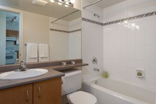 """Photo 6: 1509 5288 MELBOURNE Street in Vancouver: Collingwood VE Condo for sale in """"Emerald Park Place"""" (Vancouver East)  : MLS®# R2092306"""