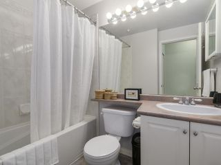"Photo 13: 301 2755 MAPLE Street in Vancouver: Kitsilano Condo for sale in ""THE DAVENPORT"" (Vancouver West)  : MLS®# R2122011"