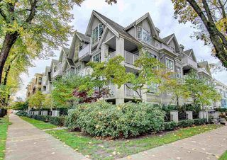 "Photo 2: 301 2755 MAPLE Street in Vancouver: Kitsilano Condo for sale in ""THE DAVENPORT"" (Vancouver West)  : MLS®# R2122011"