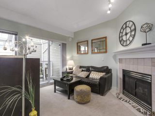"Photo 3: 301 2755 MAPLE Street in Vancouver: Kitsilano Condo for sale in ""THE DAVENPORT"" (Vancouver West)  : MLS®# R2122011"