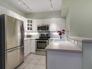 "Photo 10: 301 2755 MAPLE Street in Vancouver: Kitsilano Condo for sale in ""THE DAVENPORT"" (Vancouver West)  : MLS®# R2122011"
