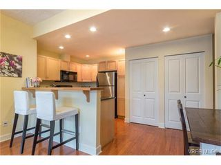 Photo 8: 206 1831 Oak Bay Ave in VICTORIA: Vi Fairfield East Condo Apartment for sale (Victoria)  : MLS®# 752253