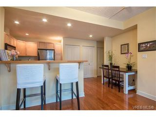 Photo 9: 206 1831 Oak Bay Ave in VICTORIA: Vi Fairfield East Condo Apartment for sale (Victoria)  : MLS®# 752253