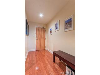 Photo 3: 206 1831 Oak Bay Ave in VICTORIA: Vi Fairfield East Condo Apartment for sale (Victoria)  : MLS®# 752253