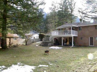 Photo 13: 21214 MOUNTVIEW Crescent in Hope: Hope Kawkawa Lake House for sale : MLS®# R2149431