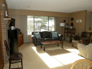 Photo 3: 21214 MOUNTVIEW Crescent in Hope: Hope Kawkawa Lake House for sale : MLS®# R2149431