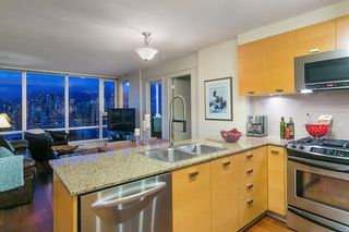 """Photo 13: 802 2483 SPRUCE Street in Vancouver: Fairview VW Condo for sale in """"Skyline"""" (Vancouver West)  : MLS®# R2151780"""