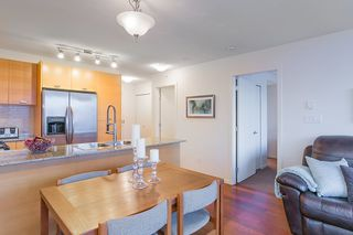 """Photo 10: 802 2483 SPRUCE Street in Vancouver: Fairview VW Condo for sale in """"Skyline"""" (Vancouver West)  : MLS®# R2151780"""